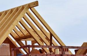 Sadeltak är den vanligaste taktypen i Sverige.